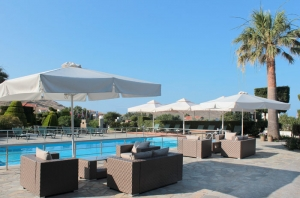 hotel in limnos pool bar