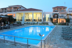 hotel in lemnos pool